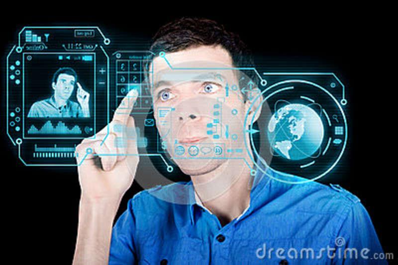 hombre-joven-que-usa-el-interfaz-virtual-futurista-27770089