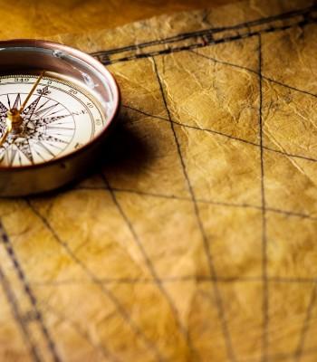 Mapa con brújula